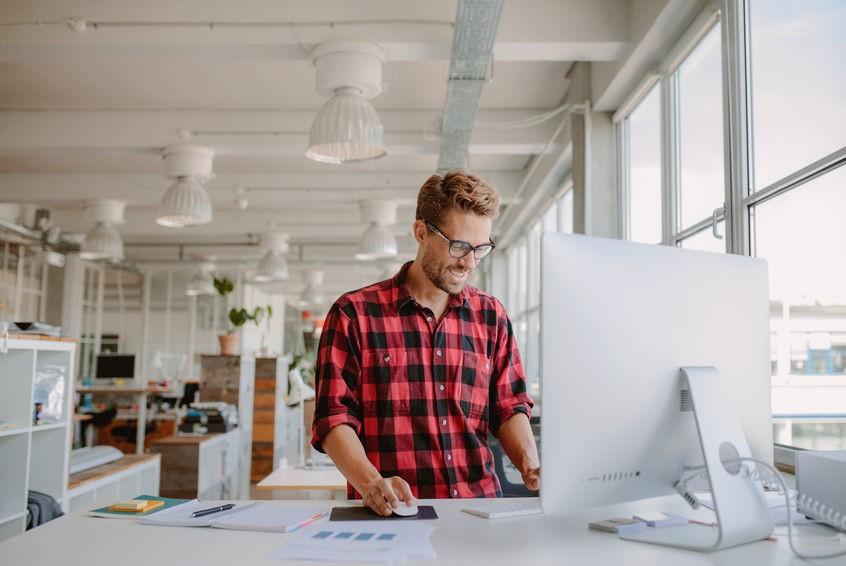 Existenzgründer in seinem Start-up Unternehmen